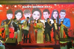 """Đêm nhạc """"Vùng lá me bay"""" của ca sĩ Như Quỳnh để lại nhiều cảm xúc cho khán giả Lạng sơn"""